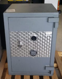 Reliance TL15 Safe Grey Door Closed Dims Exterior: H-36'' x W-26'' x D-28 .8'' Interior: H-31' x W-20'' x D-19''